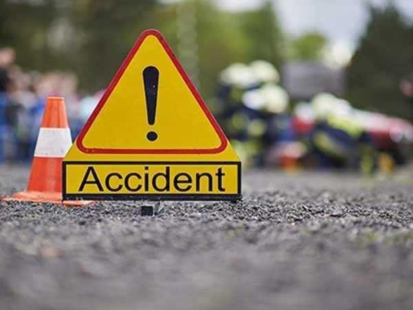 Three killed in mini truck plunge