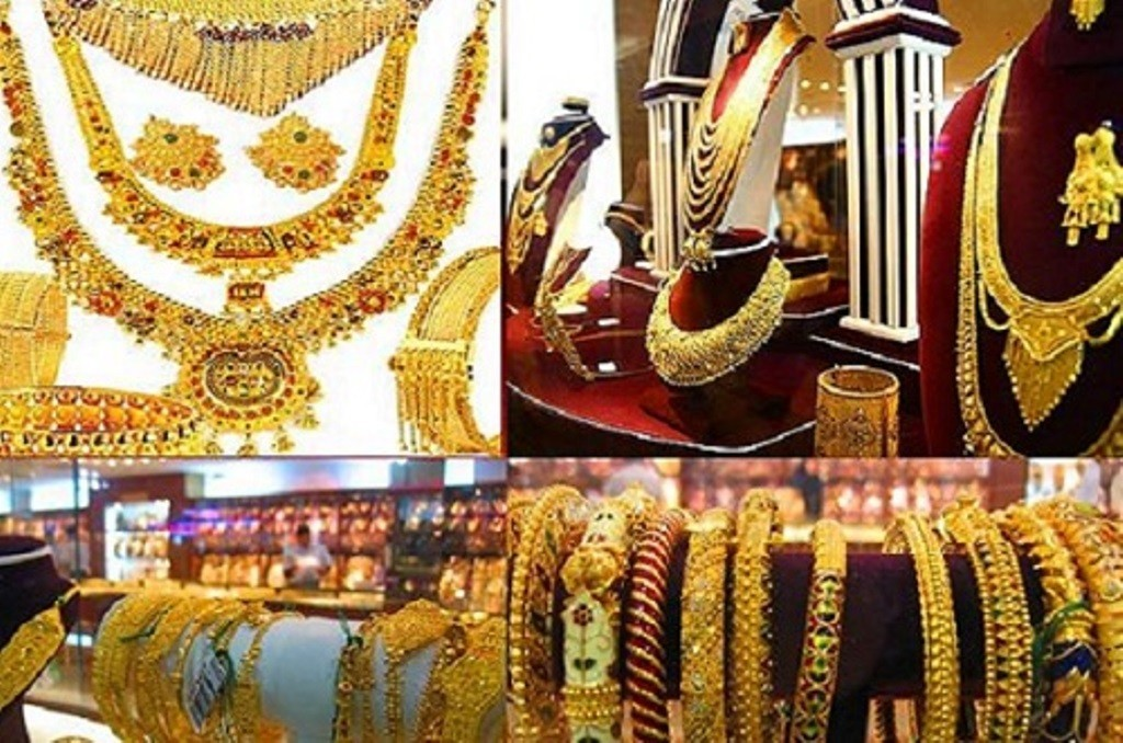 Gold price decreases by Rs 500 per tola