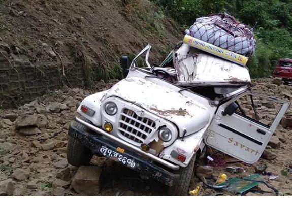 Jeep Hit by landslide, Driver dies